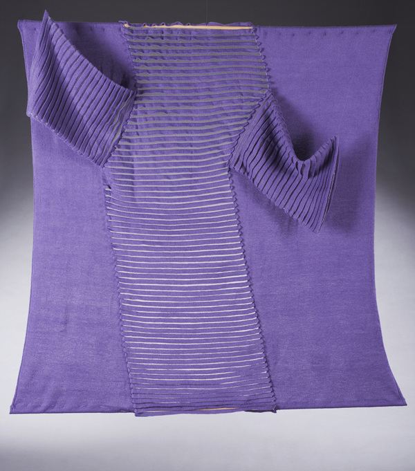 Violet Shawl,w150×h140×d0.1cm,wool,Filament,knitting,2015.jpg
