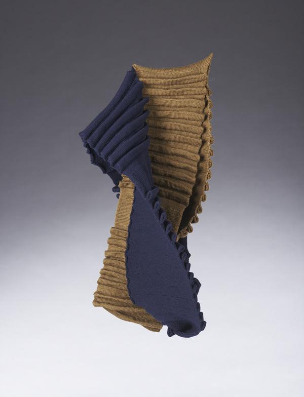 Mebius Winkles ,w15×h55×d0.1cm,wool, knitting,2015.jpg